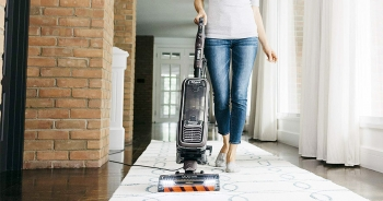 Best Upright Vacuum for Hardwood Floors – Gives gentle cleaning to your Floors!